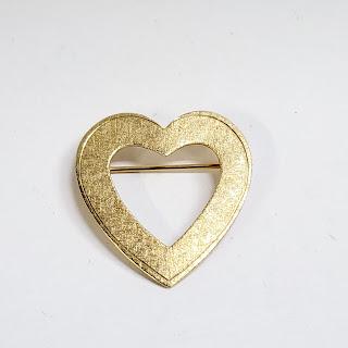 14K Gold Open Heart Brooch