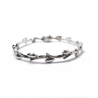 14K White Gold  Leaf Link Bracelet